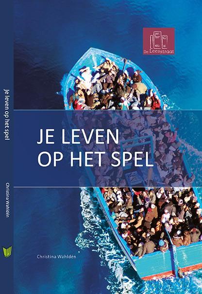 Overvolle sloep op zee cover boek je leven op het spel